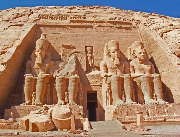 Abu-Simbel-sun-temple